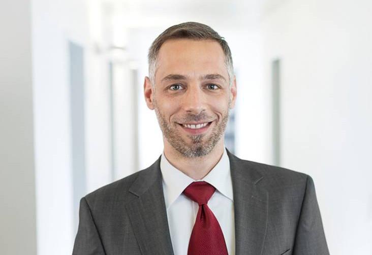 norman-scheller-BA-honours-business-and-law-bielefeld-essen-münster-pluta
