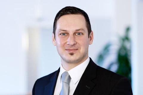 roman-salzer-wirtschaftsjurist-nürnberg-pluta